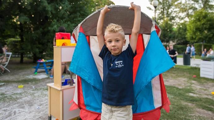 12 июня изменятся правила путешествия детей за границу
