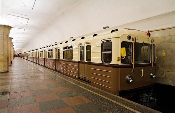 Петербургское метро запустит ретросостав во время «Ночи музеев»