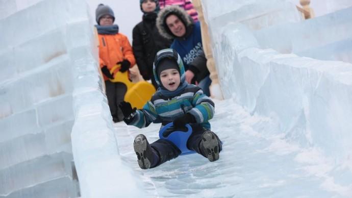 На Поклонной горе проходит фестиваль ледяных скульптур
