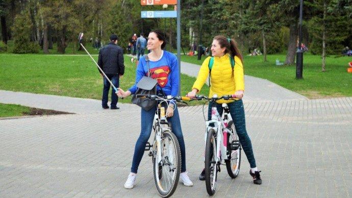 В семи московских парках заработали летние пункты проката