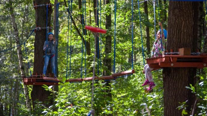 В «Кузьминках» открылся веревочный парк