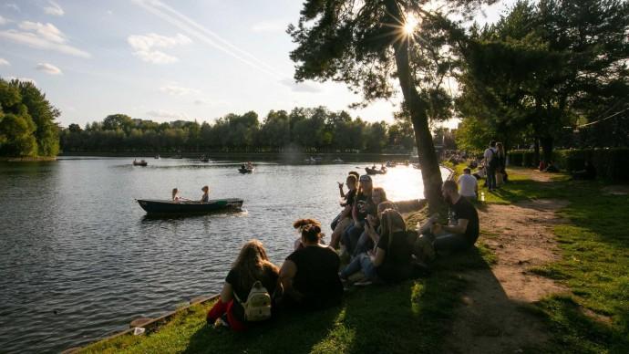 Москвичам предлагают выбрать летнюю программу для парков