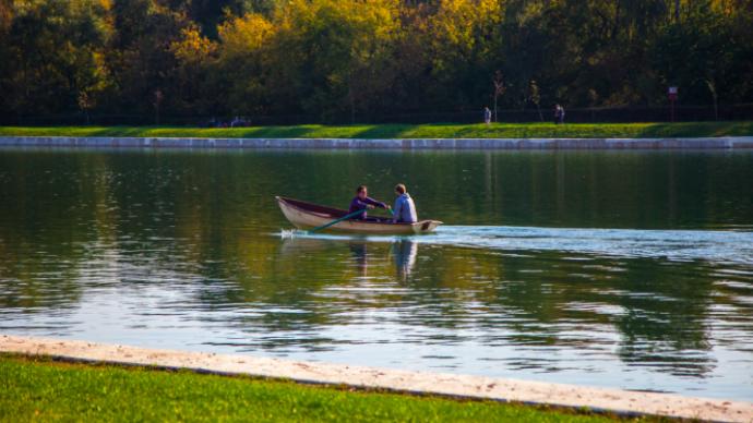 В парках Москвы открылись лодочные станции