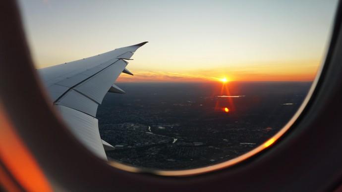 В Роспотребнадзоре обсуждается возобновление авиасообщения между 13 странами