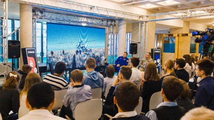На ВДНХ пройдет открытая встреча с космонавтами
