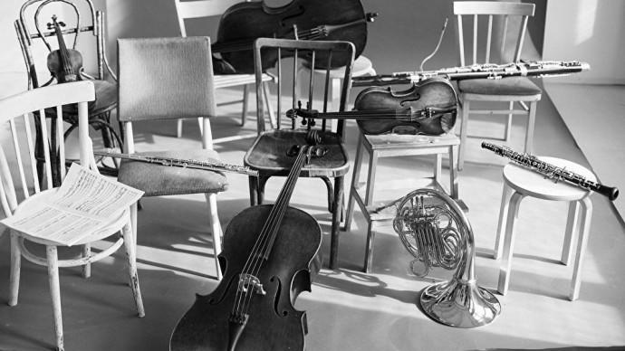 Концерты «Аптекарского огорода» в Музее ретро-мобилей «Моторы Октября»