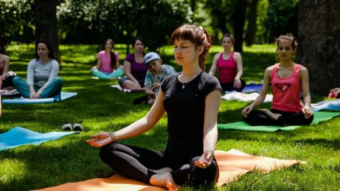 У рівненському парку проведуть безкоштовне заняття з йоги