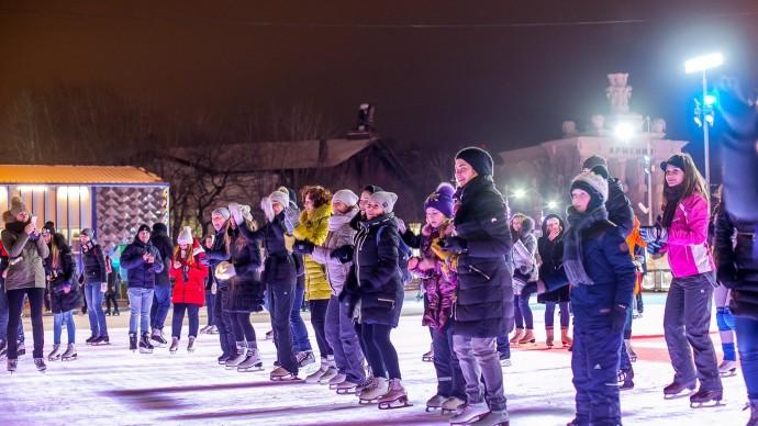 Зимний сезон в парке «Фили» откроется ледовым шоу и сражением на световых мечах