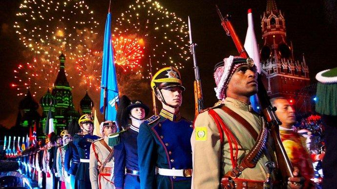 В 11 парках Москвы пройдет фестиваль «Спасская башня»