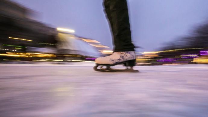 Школа фигурного катания открывается в парке «Черное озеро»