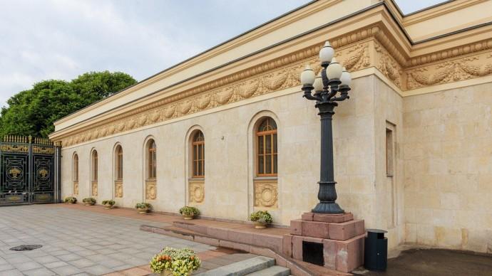 Главный вход в парк Горького финально отреставрировали