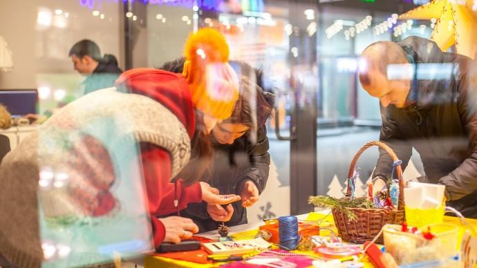 Благотворительная акция по созданию новогодних подарков пройдет в Москве