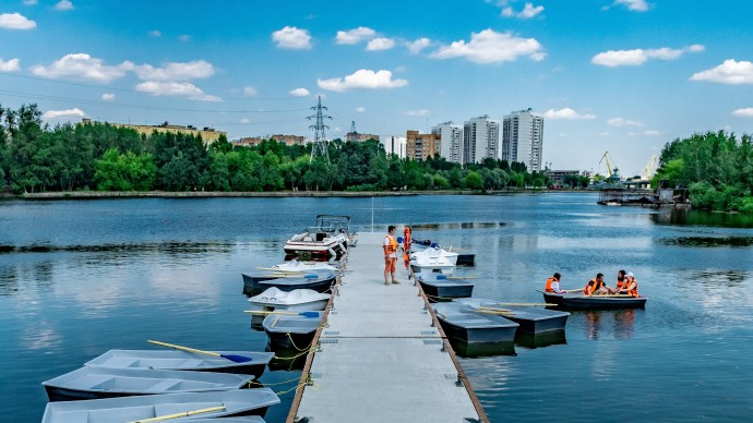 В парке «Остров Мечты» открылась лодочная станция яхт-клуба