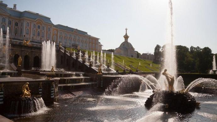 Осенний праздник фонтанов: спектакль #ИМПЕРАТРИЦА2019