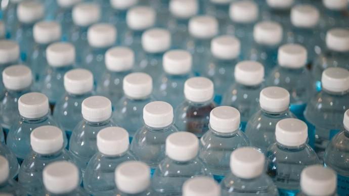 В России запретят одноразовую пластиковую посуду