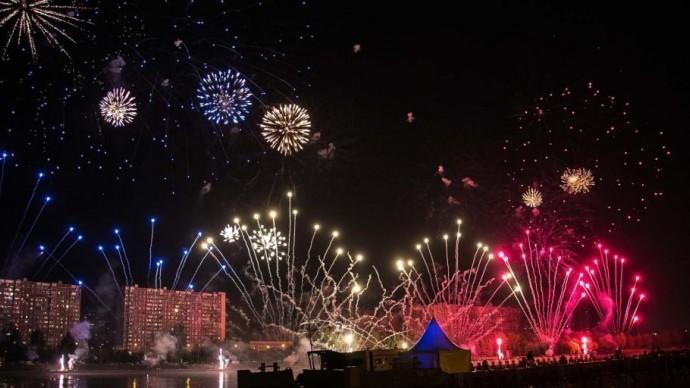 Новогодний салют прозвучит в столичных парках в час ночи
