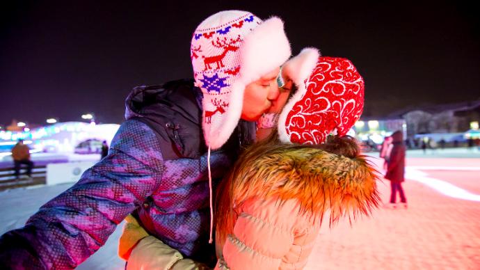 Жители Москвы смогут признаться в любви на шестиметровом медиаэкране