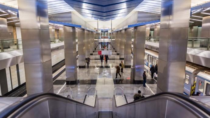 Бесконтактные терминалы для оплаты проезда появились на всех станциях метро