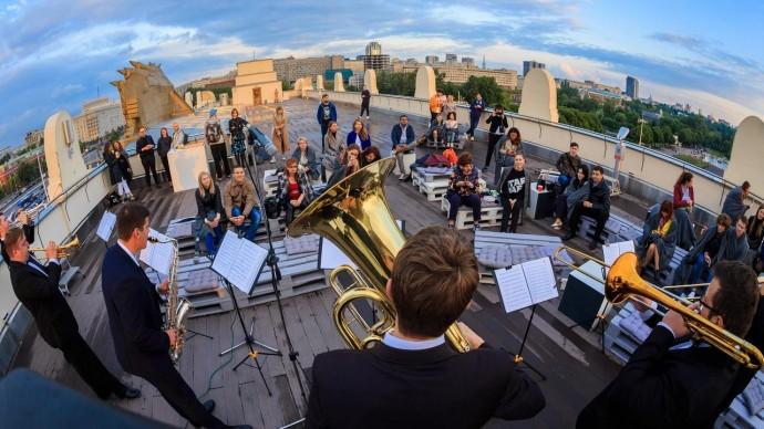 На крыше Музея парка Горького устроят концерт Дмитрия Тюрина