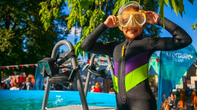 Детский психолог дала советы, как научить ребенка плавать