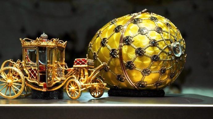 В Новом Манеже можно увидеть изделия Фаберже и работы лучших ювелиров России
