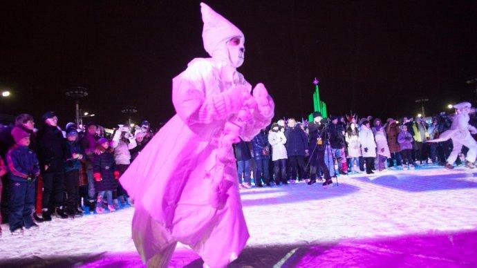 Новый год на катке ВДНХ отметят карнавальным шествием и театральными представлениями