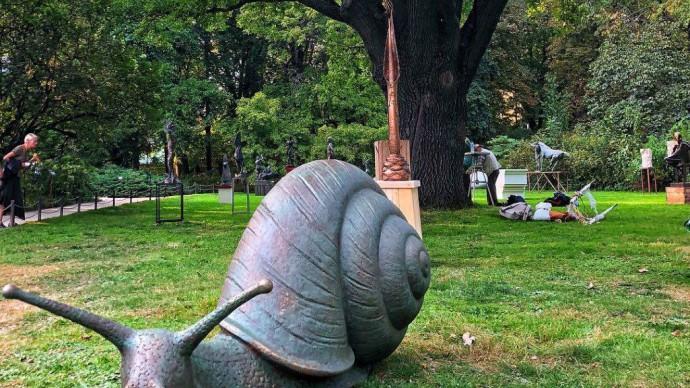 В «Аптекарским огороде» открылась выставка скульптур «Природа форм»