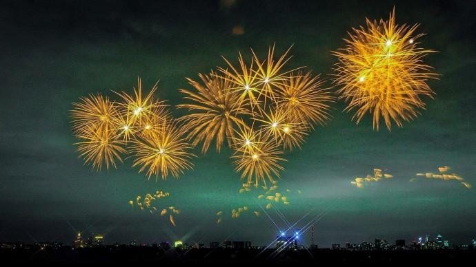В столичных парках покажут фейерверки к Дню победы