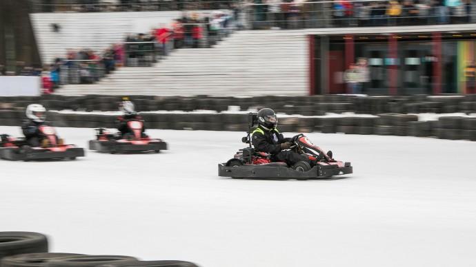 Лед на катке в «Сокольниках» разрушат с помощью гоночных машин