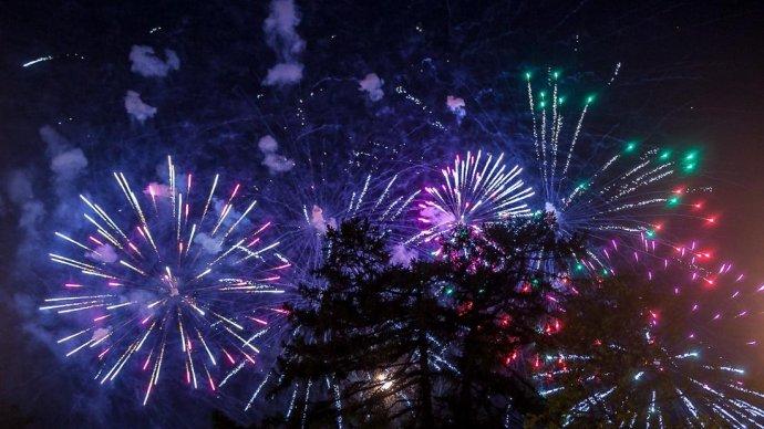 В День России в 18 парках Москвы запустят фейерверки