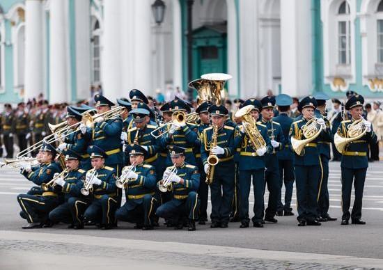 По Невскому пройдет парад духовых оркестров