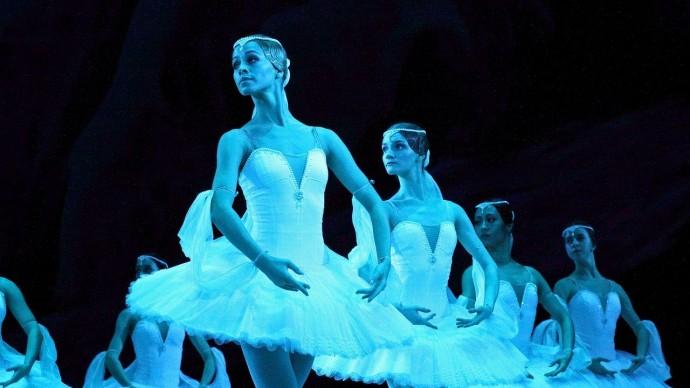 В Краснодарской филармонии покажут балет «Лебединое озеро»