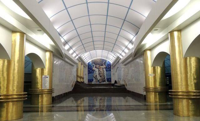 Петербургское метро продлит работу до часа ночи 22 февраля