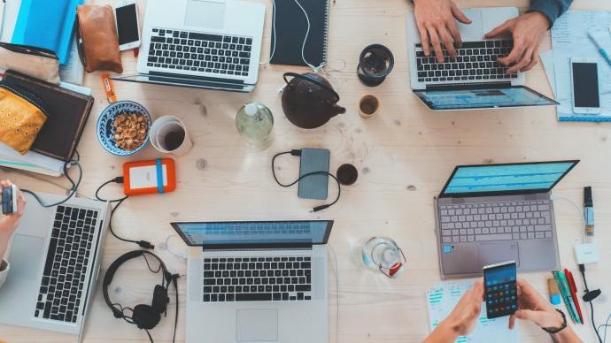Минтруд рассматривает инициативу о четырехдневной рабочей неделе