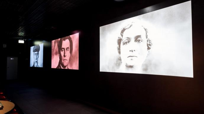 В Подземном музее «Зарядья» продолжается выставка «Авангард. Три персоны»