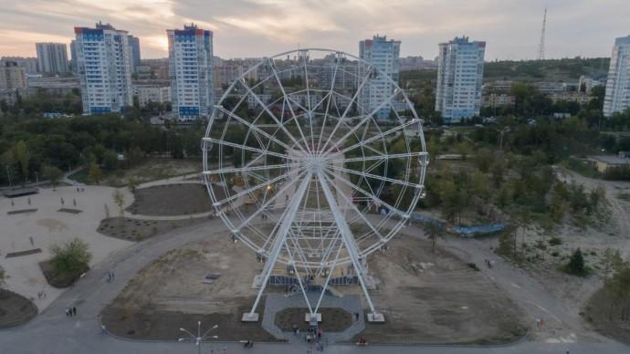 В ЦПКиО открыли колесо обозрения