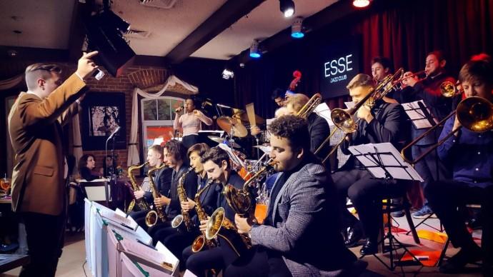 Рождественский джаз в оранжерее на ВДНХ