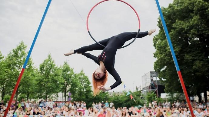 В парке Горького представят выступления воздушных гимнастов
