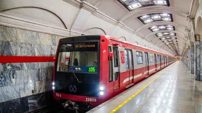 В Новый год в Петербурге метро будет работать круглосуточно