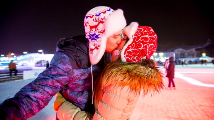 Мосгорпарк и СТС Love проводят конкурс лучших историй о любви в парках