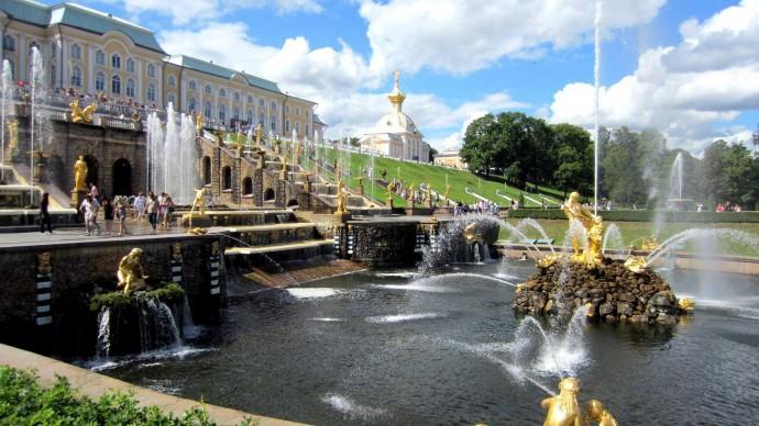 Запуск фонтанов в Петергофе запланирован на конец апреля