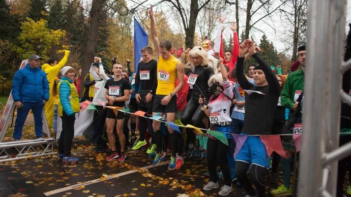 Москвичи пробегут марафон помощи детям