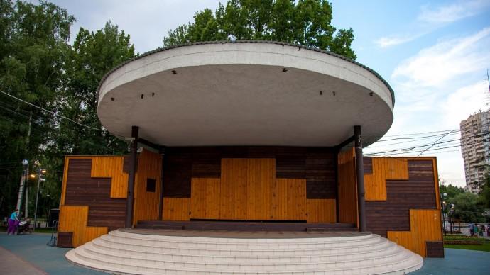 В Лианозовском парке возвращают народное караоке