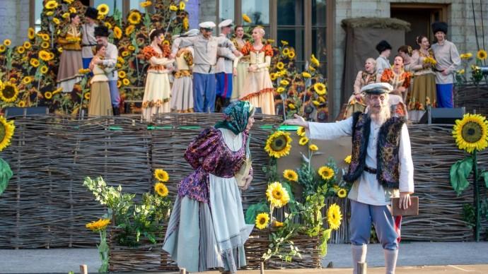 Гатчинский парк приглашает на фестиваль «Оперетта-парк»