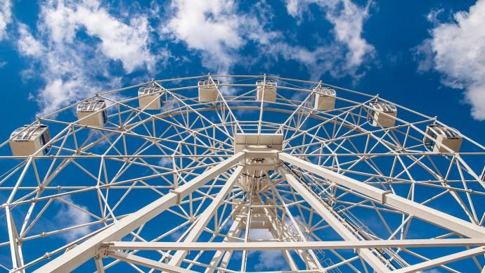 В парке «Сокольники» заработало колесо обозрения