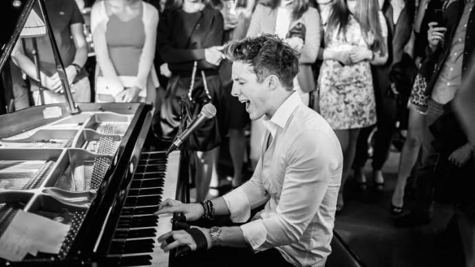 В «Новой Голландии» пройдет бесплатный концерт Стивена Ридли