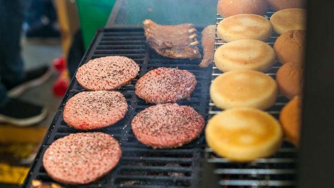 День гамбургера в парке Горького