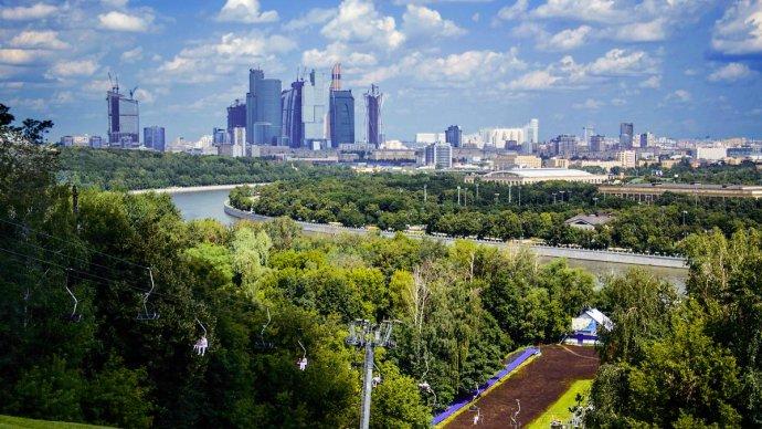 На смотровую площадку Воробьевых гор вернут бесплатные бинокли