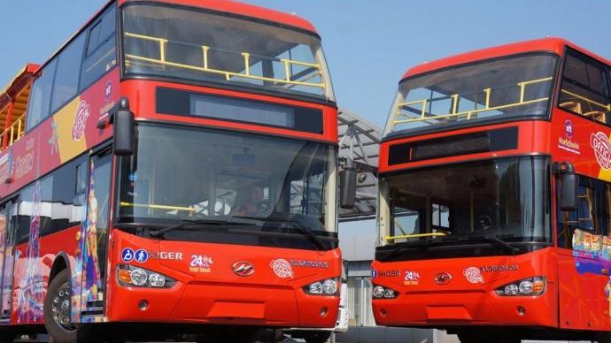 В городе курсирует бесплатный экскурсионный автобус