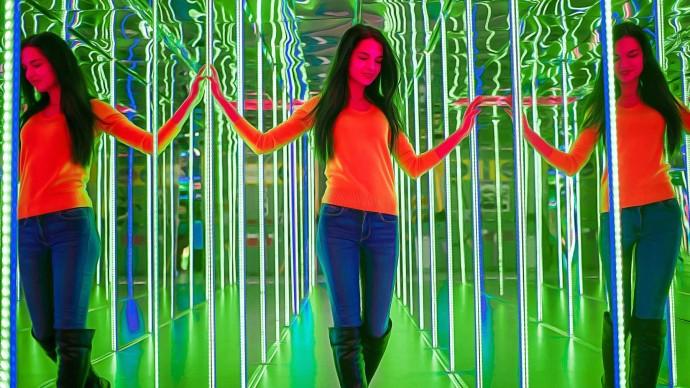 В Музее современного искусства появилась зеркальная комната Леонардо Да Винчи